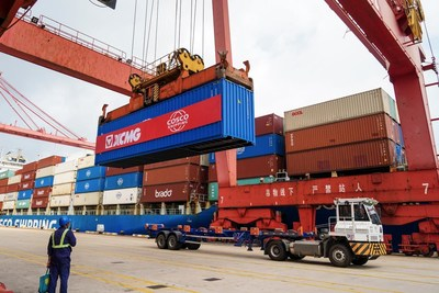 XCMG Ships 972 Units of Construction Machinery Equipment to South America